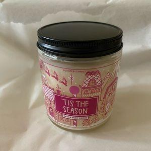 Bath&Body Works - 'Tis the Season 7oz candle